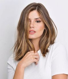 The darling of the moment is the cut of Long Bob 2019 . Long Bob Hairstyles, Pretty Hairstyles, Ombre Hair, Balayage Hair, Medium Hair Styles, Short Hair Styles, Langer Bob, Brown Blonde Hair, Hair Day
