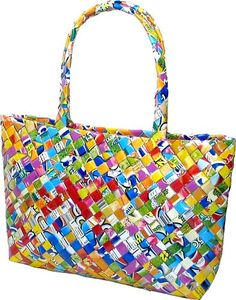 Self-strapped Woven Handbag Recycled Multi Juice Wrapper Purse - way to recycle! Candy Wrapper Purse, Candy Bags, Candy Wrappers, Reusable Shopping Bags, Reusable Bags, Handbags On Sale, Purses And Handbags, Ladies Handbags, Luxury Handbags