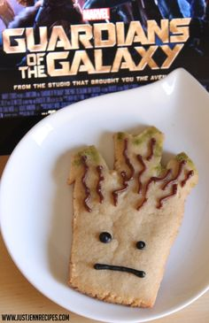 We're in love with Guardians of the Galaxy right now, so we really really like these Groot cookies! What a fun way to celebrate a Marvel movie!