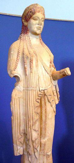 Kore policromada del Museo de Atenas.