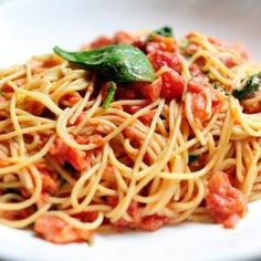 Sauce for pasta with chicken and tomatoes. Recipes with photos.