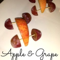 Cute Snack For Kids - Apple & Grape Cars Healthy Breakfast For Kids, Healthy Snacks For Kids, Healthy Recipes, Cooking Classes For Kids, Cooking With Kids, Car Snacks, Cooking Pork Chops, Cooking Ribs, Apple Snacks