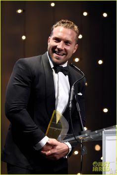 Jai Courtney get honored at Australians In Film Awards Gala 2016 19.October 2016