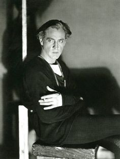 """❤️John Barrymore, as """"Hamlet"""" on a break having a cigarette! Hollywood Actor, Golden Age Of Hollywood, Vintage Hollywood, Classic Hollywood, Silent Film Stars, Movie Stars, Actors Male, Actors & Actresses, John Barrymore"""