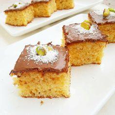@yeteneksepetim • • • Hindistan cevizli pratik kek 😊 3 yumurta 1 + 1/3 su bardağı şeker çırpıyoruz 1 su bardağı yoğurt 1 su bardağı…