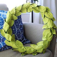 DIY: leafy spring wreath