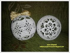 Several patterns of lace or ornaments on charts Crochet Christmas Decorations, Crochet Ornaments, Ball Ornaments, Christmas Balls, Christmas Holidays, Xmas, Christmas Ornaments, Christmas Ideas, Crochet Tree