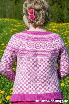 Bøvertun med rundfelling/rundøking i finull Knitting Designs, Knitting Patterns, Baby Girl Sweaters, Wool, Craft, Crochet, Projects, How To Wear, Fashion