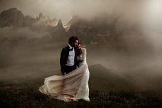 These wedding portraits are insanely amazing | Image by The Ferros #elopement #elope #elopementinspiration #destinationwedding #weddingportrait #coupleportrait #bride #bridalinspiration #groom #groominspiration #elopementphotography #weddingphotography #weddinginspiration #weddingdress
