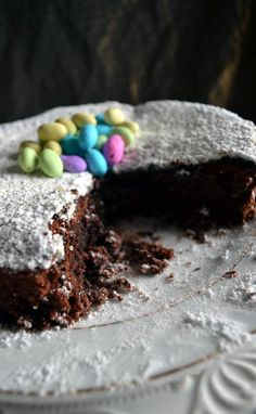 This Easy Chocolate Torte is the ideal dessert to make a few days ahead of time as it actually tastes better days later. Chocolate Torte, Desserts To Make, Easy, Food, Choco Pie, Essen, Yemek, Cake Chocolate, Meals
