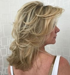 Mid-Length Shaggy Hairstyle For Over 50 Women Haircuts Long, Short Hairstyles For Thick Hair, Hairstyles Over 50, Modern Hairstyles, Long Hair Cuts, Hairstyles Haircuts, Japanese Hairstyles, Asian Hairstyles, Pixie Haircuts