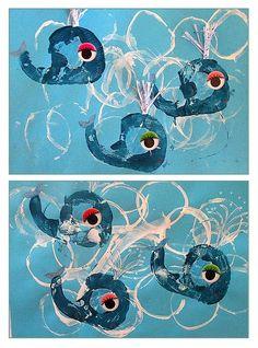 Empreinte de rouleau de scotch et pq Summer Art Activities, Under The Sea Crafts, Art For Kids, Crafts For Kids, Wale, Scotch, Sea Theme, Spring Art, Ocean Themes