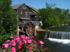 Pigeon Forge, TN--love the Old Mill