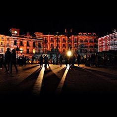 """""""Vista nocturna de la Plaza Mayor de #Burgos"""" ...en #Instagram por @helenallum"""