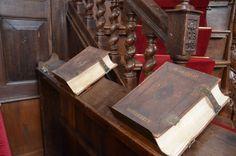De bijbels van de kerkenraad Oosterbierum
