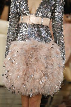 Chanel haute couture printemps-été 2017 #ChanelHauteCouture #ChanelHC17 #HC17 #SpringSummer2017 #SS17 | Visitez espritdegabrielle.com #espritdegabrielle
