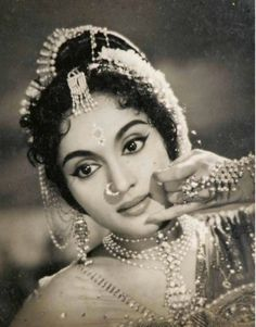 One of the great actresses of bollywood! the lovely and talented Vyjayanthimala. Bollywood Stars, Indian Bollywood, Bollywood Wedding, Indian Celebrities, Bollywood Celebrities, Bollywood Actress, Vintage Bollywood, Bollywood Pictures, Indian Goddess