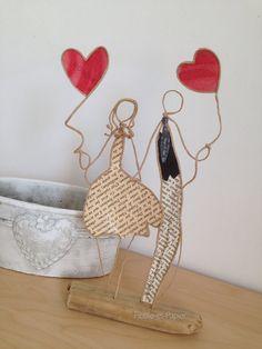 Handmade Crafts, Diy And Crafts, Arts And Crafts, Saint Valentine, Valentines Diy, Art Fil, Paper Folding Crafts, Wire Art Sculpture, Newspaper Crafts