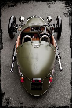 Morgan 3 Wheeler add a full axle on the back and that's hot!