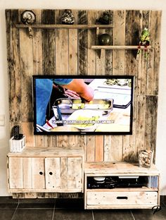 Attraktiv Meuble Mural En Palette Télévision