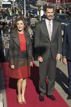Queen Letizia of Spain Photos Photos - King Felipe of Spain and Queen Letizia of Spain visit the Palacio de la Bolsa during their official visit to Portugal on November 29, 2016 in Porto, Portugal. - Spanish Royals Visit Portugal - Day 2