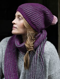 The hat is knitted in two-coloured brioche stitch from Novita Nordic Wool yarn. Add a pompom in a contrasting colour for a finishing touch. Loom Patterns, Knitting Patterns Free, Crochet Patterns, Thing 1, Knit Beanie, Wool Yarn, Knitted Hats, Knit Crochet, Winter Hats
