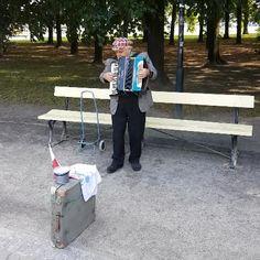 Musician in Ogrod Saski | #fallInLoveWithWarsaw #warsaw #varsovie #music #Poland #polska