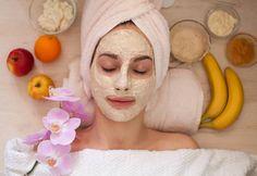 Kırışıklıkları 1 Gecede Geçiren Maske - Sağlık Paylaşımları Banana Facial, Banana Face Mask, Homemade Facial Mask, Homemade Facials, Homemade Masks, How To Apply Toner, Home Facial Treatments, Face Wrinkles, Natural Facial