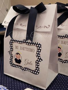 to ] Great to own a Ray-Ban sunglasses as summer gift.Bautismo azul y blanco para Galo / Baptism favor bags Baby Baptism, Baptism Party, Christening, Baptism Reception, Baptism Favors, Baptism Ideas, Baby Dedication, Festa Party, First Holy Communion