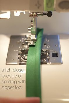 Excellent #sewing #tutorial for making your own #piping, with tips on fabric selection and finishing your edging.
