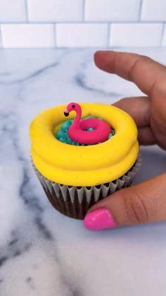 Cake Decorating Frosting, Creative Cake Decorating, Cake Decorating Videos, Cake Decorating Techniques, Creative Cakes, Cookie Decorating, Decorating Ideas, Cupcake Cake Designs, Cupcake Cakes