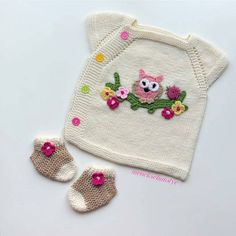 Free Knitting Patterns For Baby Booties, Including Adorable Booties Knit On Two Needles And In The Round. Baby Knitting Patterns, Knitting For Kids, Baby Patterns, Free Knitting, Crochet Patterns, Crochet Bedspread Pattern, Fashion Design For Kids, Baby Pullover, Baby Vest