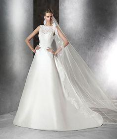 Love! Brautkleid aus Mikado-Seide und Spitze mit Schmucksteinbesatz