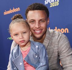 Stephen Curry's two-year-old daughter Riley Curry stole the show at the 2015 Kids' Choice Sports Awards -- see what happened Stephen Curry And Daughter, Stephen Curry Family, The Curry Family, Kids Choice Sports Awards, Kids Choice Award, Choice Awards, Stephen Curry Basketball, Nba, Basketball