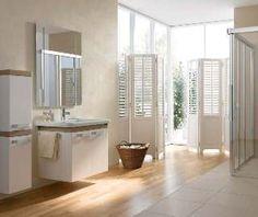 Holzboden im Badezimmer. Tipps wie Sie Holz ins Badezimmer integrieren können.