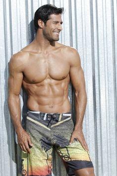 Beto Malfacini - Gorgeous men over 40 why do the choose to be shirtless Hot Men, Beto Malfacini, Men Over 40, Hommes Sexy, Raining Men, Attractive Men, Good Looking Men, Male Beauty, Male Body