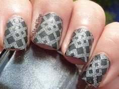 Base: Sandy Matt Grey Stamping plate: BM322 Stamping Colour: Konad Black