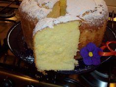 Ciambellone di Pat... | Cettinella.com Torte Cake, Cake & Co, Angel Cake, Angel Food Cake, Torta Chiffon, French Cake, American Cake, Plum Cake, Cake Cookies