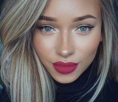 Wedding lip colour