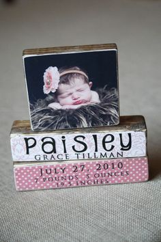 DIY Photo Blocks - Awesome Baby Names - Ideas of Awesome Baby Names - DIY Photo Blocks- What a cute baby gift idea! Baby Crafts, Fun Crafts, Wood Crafts, Amazing Crafts, Craft Gifts, Diy Gifts, Handmade Gifts, Decoration Photo, Diy Foto