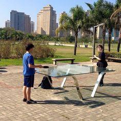 Mesa pública de tênis de mesa no Parque Villa-Lobos, em São Paulo Villa, Play, Outdoor, Sao Paulo, Brazil, Wolves, Park, The Great Outdoors, Outdoors