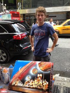 Spray paint artist in Times Square, New York - USA ....