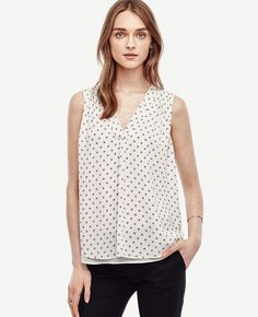 Shop chic clothing at Ann Taylor. Our collection of women's clothing includes everything from gorgeous tops and dresses, to versatile wear-to-work clothing and elegant evening clothing and accessories.