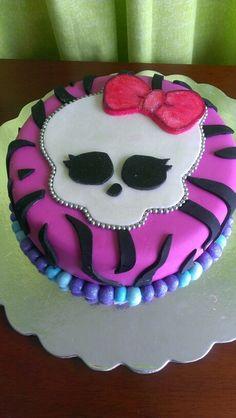 Torta de Monster High, vainilla rellena de crema de chocolate con chispas de chocolate! 04149233285