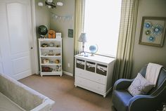 baby boy nursery. I like this set up for a small room