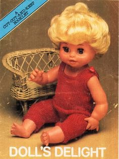 Sweater Knitting Patterns, Knit Patterns, Baby Doll Clothes, Baby Dolls, Tiny Tears Doll, Baby All In One, Doll Outfits, Baby Born, Vintage Knitting
