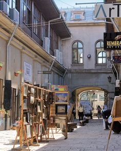 Bucharest - Best place to find everything you need for your art