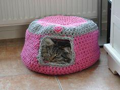 """Mijn eigen plekkie: """"Kattenkorfje'voor Diva gehaakt!"""