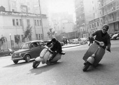 All things Lambretta & Vespa : Photo Scooters Vespa, Vespa Bike, Motos Vespa, Moto Scooter, Piaggio Vespa, Lambretta Scooter, Vespa 300, Yamaha Scooter, Triumph Motorcycles