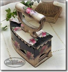Stunning Contemporary Shabby Chic Living Room Ideas - Wonderful Cool Tips: Shabby Chic Table Guest Books shabby chic sofa pink velvet.Shabby Chic Blue Ca - Shabby Chic Sofa, Shabby Chic Vintage, Shabby Chic Homes, Shabby Chic Decor, Vintage Decor, Vintage Crafts, Decoupage Vintage, Decoupage Art, Decoration Shabby
